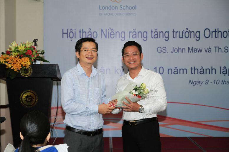 bs Đỗ Thành Trí và bs Nguyễn Quang Tiến tại hội thảo niềng răng 3D