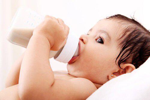 Cách chăm sóc răng miệng cho trẻ qua các giai đoạn