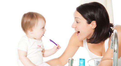 ĐPhòng tránh răng mọc lệch ở trẻ em