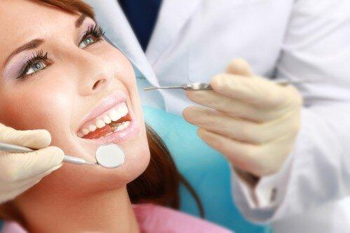 Dịch vụ nhổ răng không đau tại trung tâm nha khoa