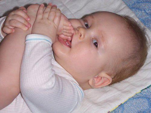 Nguyên nhân khiến trẻ chậm mọc răng
