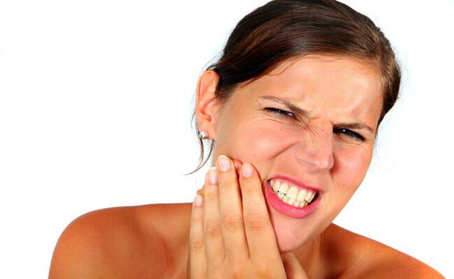 những thói quen xấu cần tránh khi bị ê buốt răng