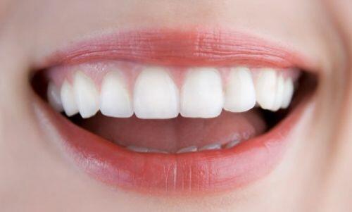 Răng sứ bảo vệ tủy mà vẫn đẹp