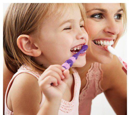 5 lưu ý khi chăm sóc răng miệng trẻ em