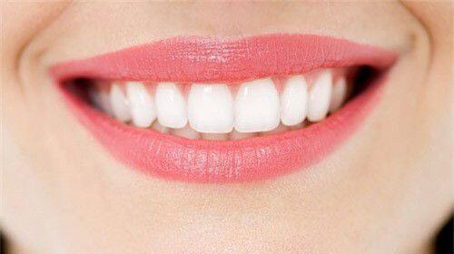 Thủ thuật làm mới hàm răng xỉn màu